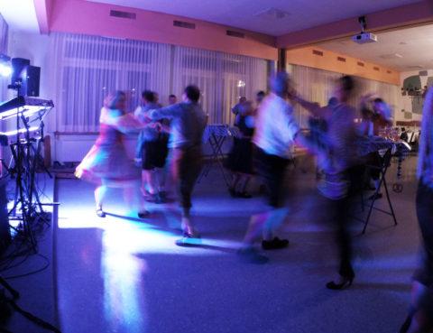 Tanzfläche Fribourg, Schweiz - Alleinunterhalter Sandro Hoffmann