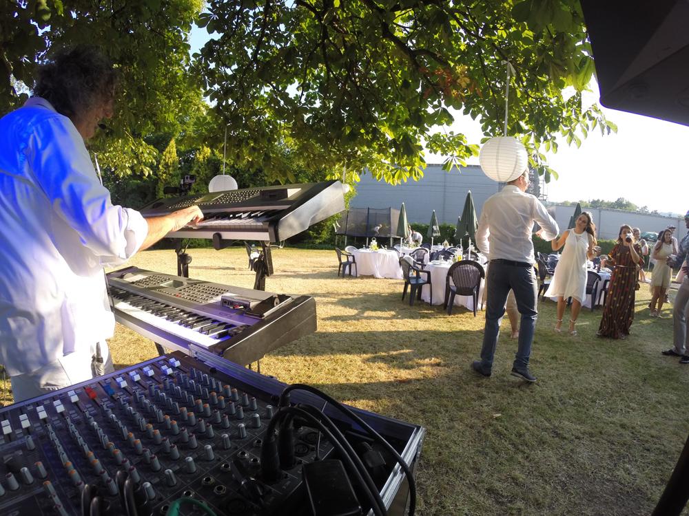 Hochzeitstanz eröffnung - Party Alleinunterhalter Sandro Hoffmann